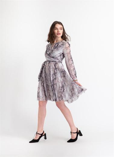 Rue Bağlama Detaylı Pliseli Şifon Elbise Renkli